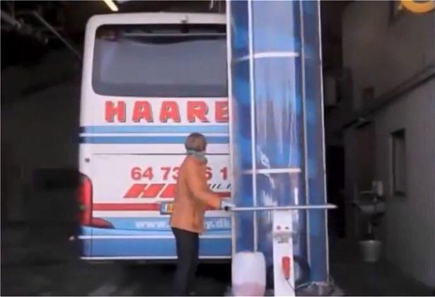 Mobile Single Brush Wash
