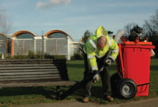 Litter collection vac attached to a wheelie bin